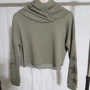 RUE21 green cropped hoodie